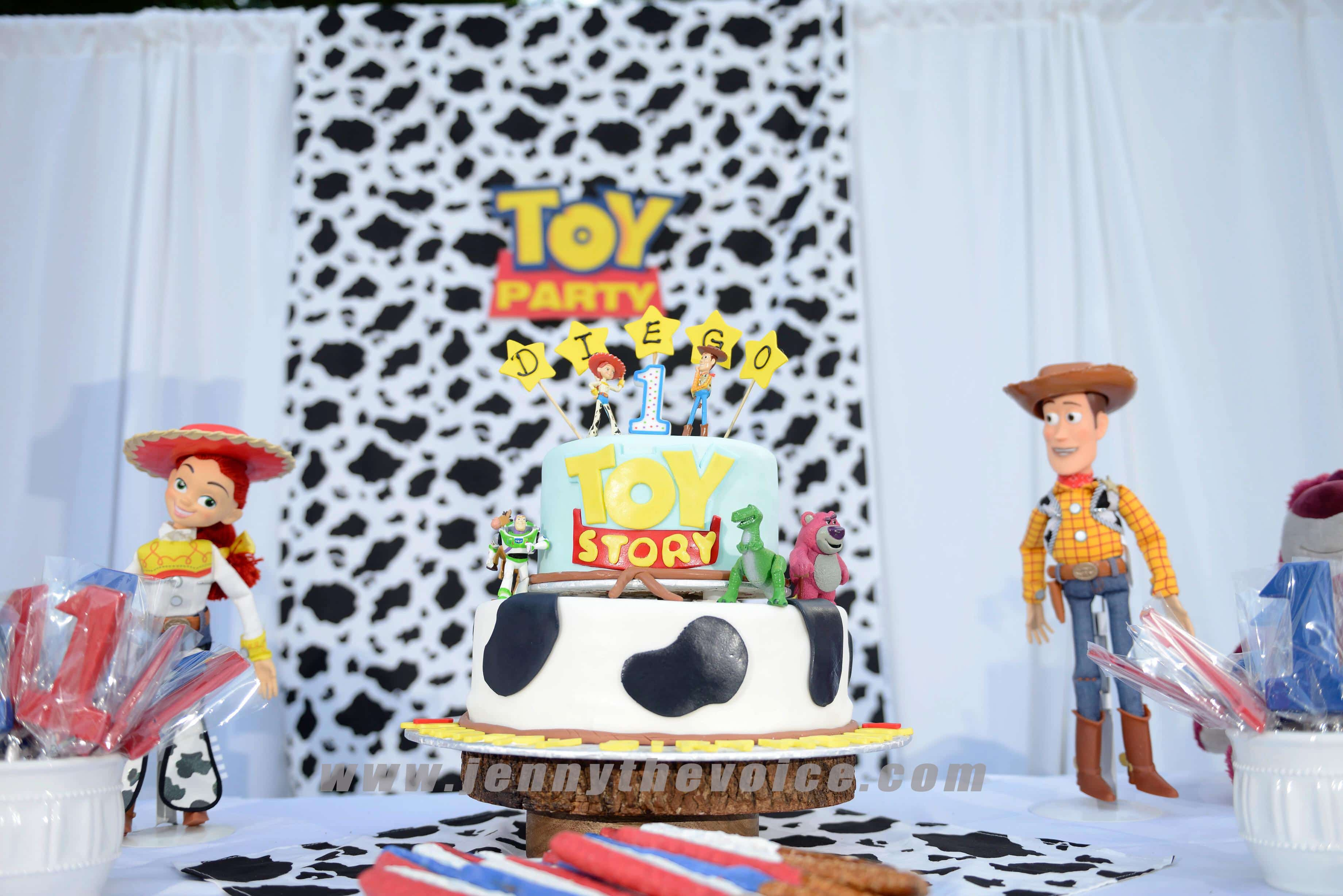 Toy-Story-birthday-party-ideas-toy-story-land