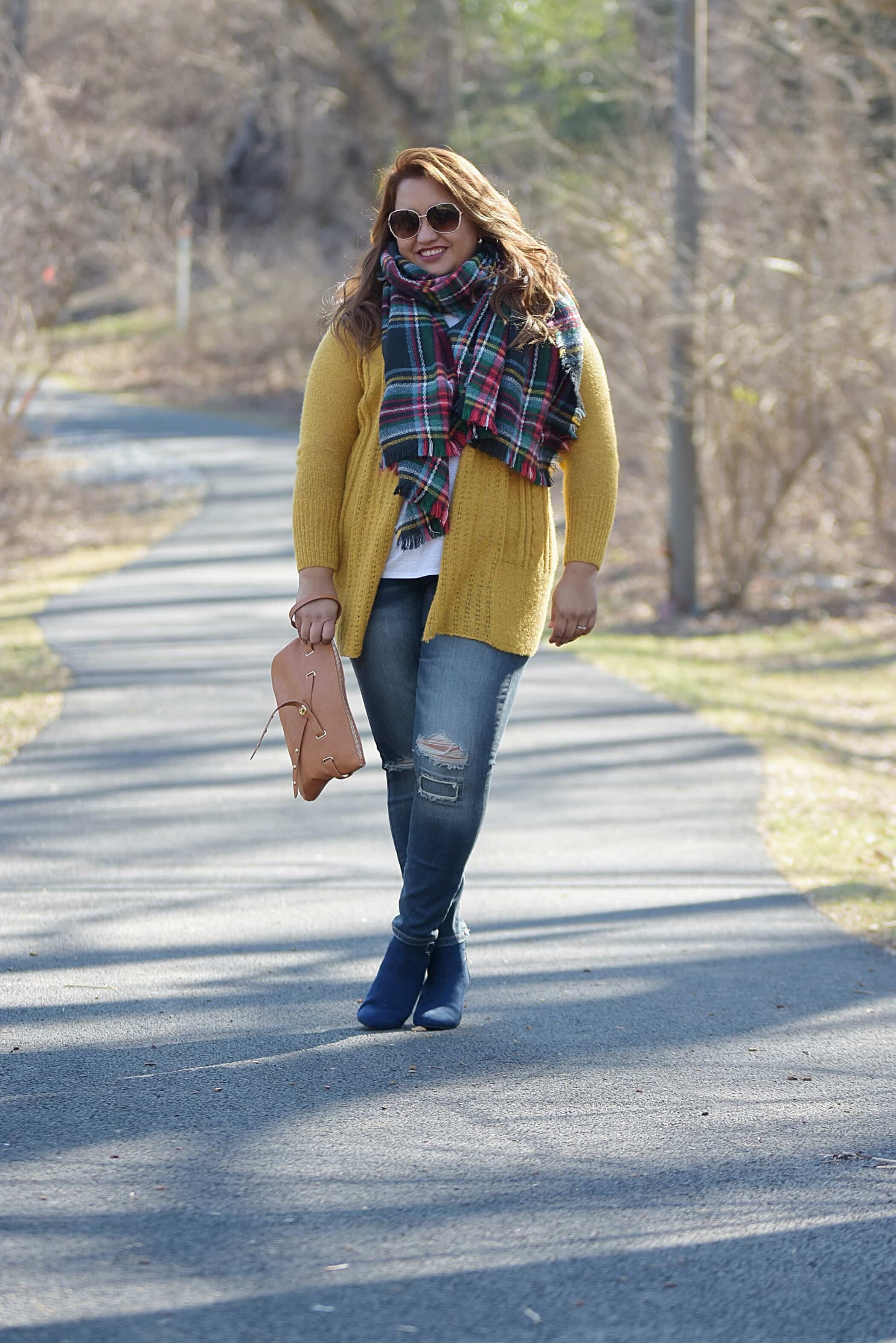 Yellow-mustard-sweater-yellow-sweater-winter-outfit