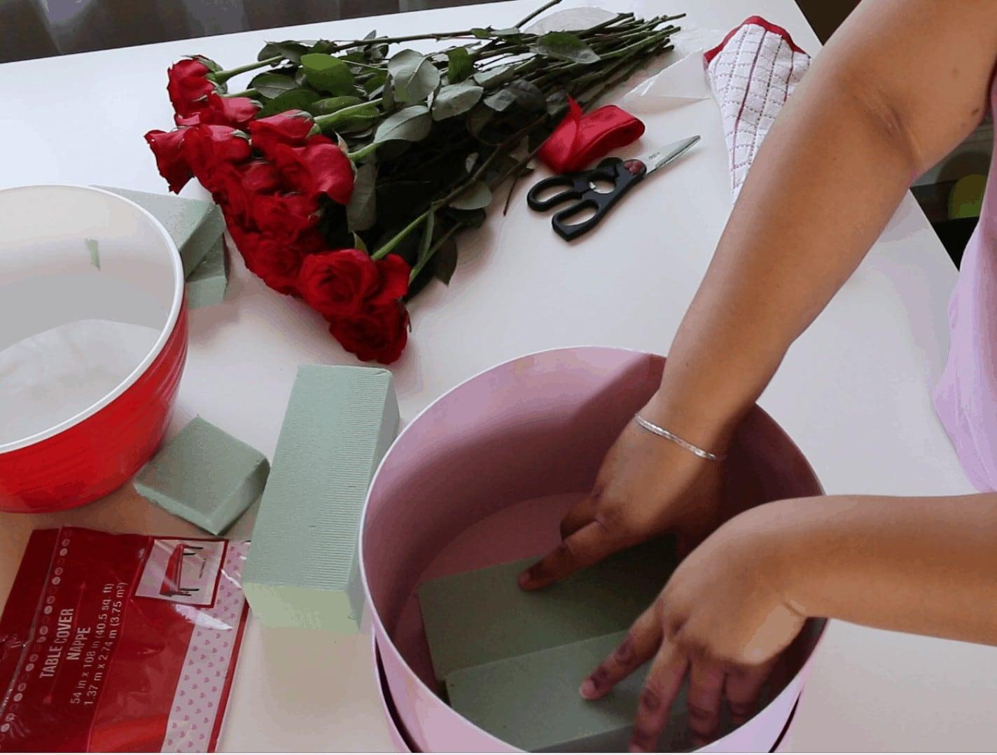 Screen Shot 2017 01 31 at 11.53.46 PM - Cómo hacer Caja de Rosas para San Valentin :  También 6 Fáciles regalos que tu mismo puedes hacer para Valentines Day