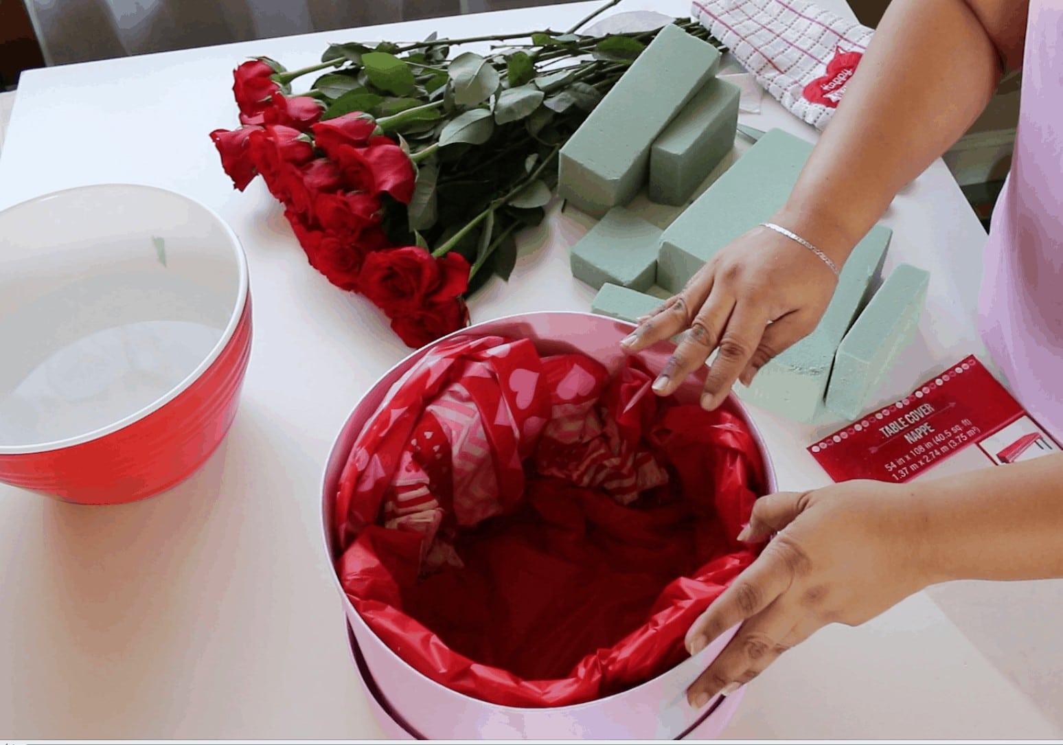 Screen Shot 2017 01 31 at 11.54.45 PM - Cómo hacer Caja de Rosas para San Valentin :  También 6 Fáciles regalos que tu mismo puedes hacer para Valentines Day