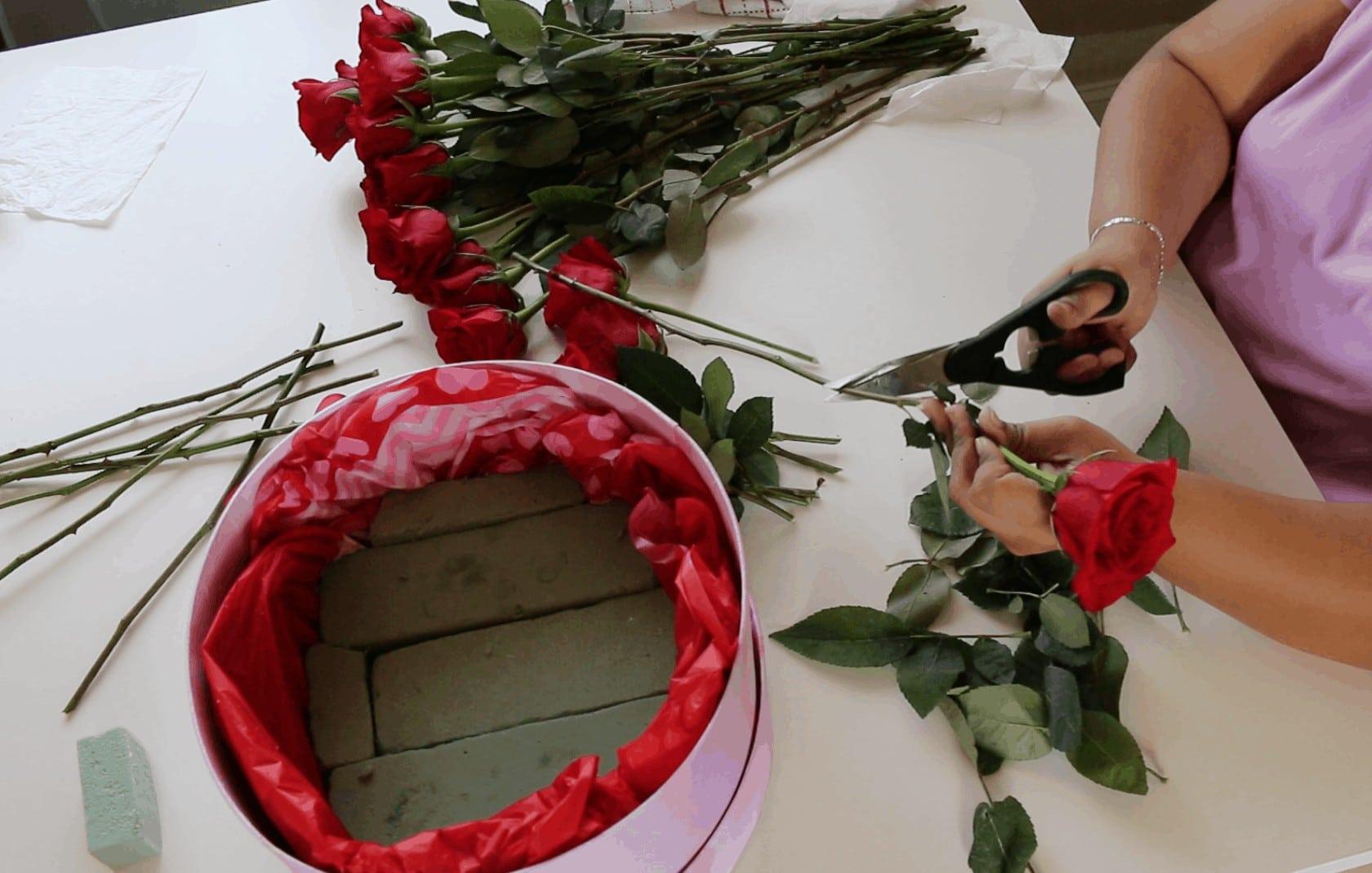 Screen Shot 2017 01 31 at 11.57.02 PM - Cómo hacer Caja de Rosas para San Valentin :  También 6 Fáciles regalos que tu mismo puedes hacer para Valentines Day