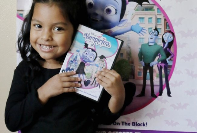 Vampirina-Meet=the-new-girl-on=-he-block