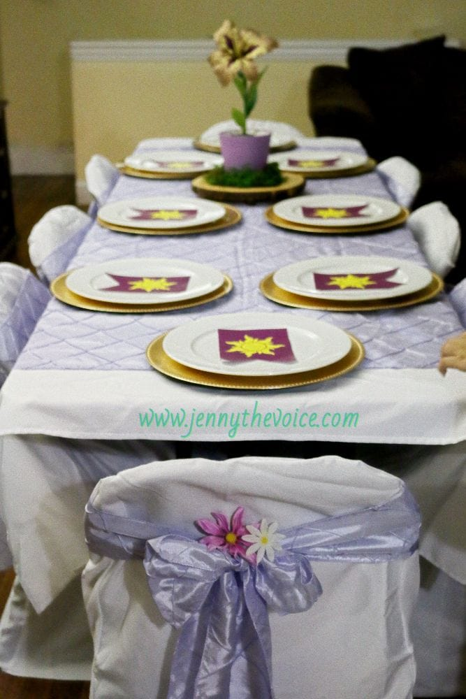 Tangle-Rapunzel-Birthday-Party-decoration-Ideas