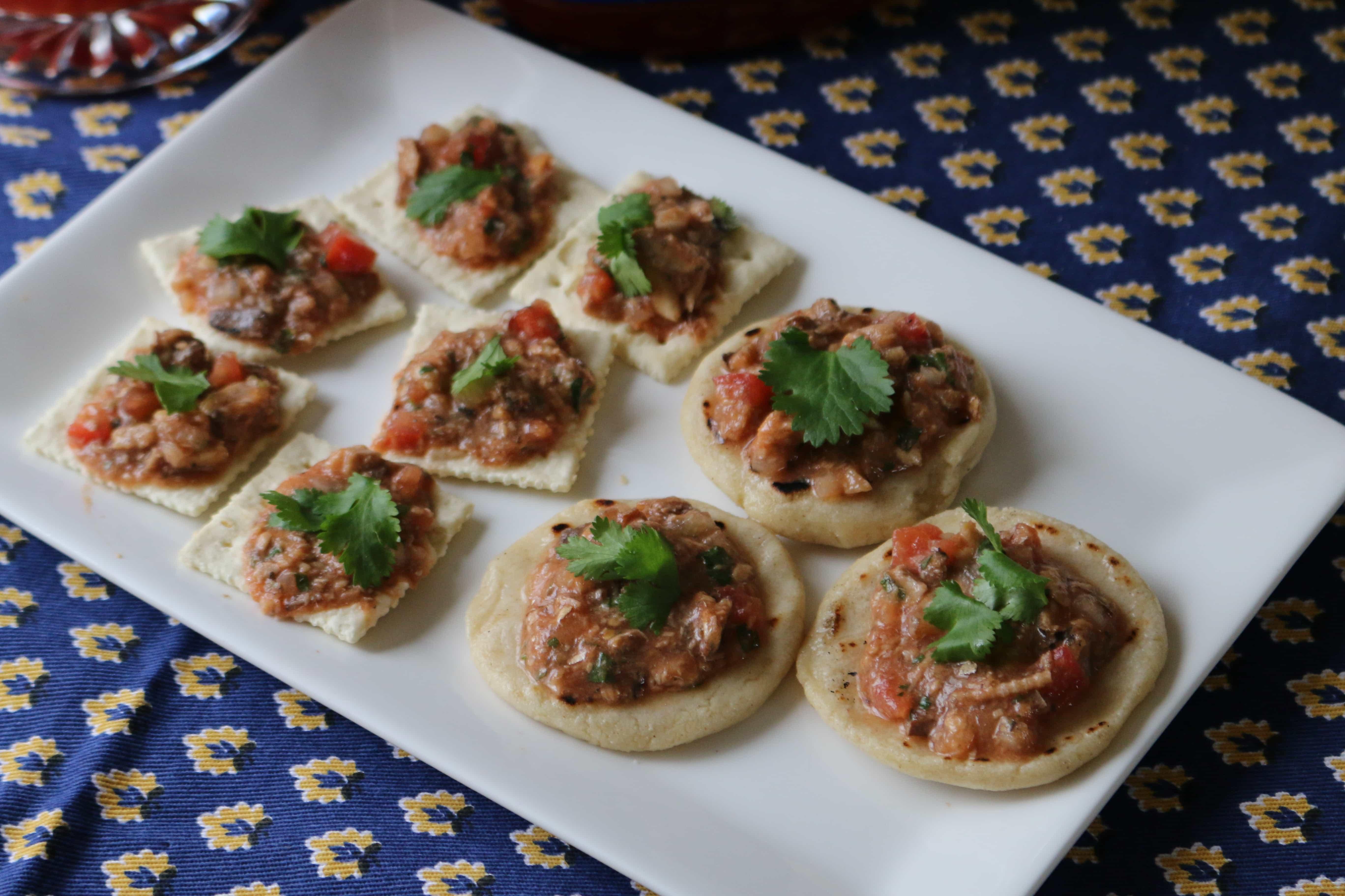 Boquitas-de-sardina-sardinas-en-lata-sardina-en-salsa-de-tomate-receta-cuaresma