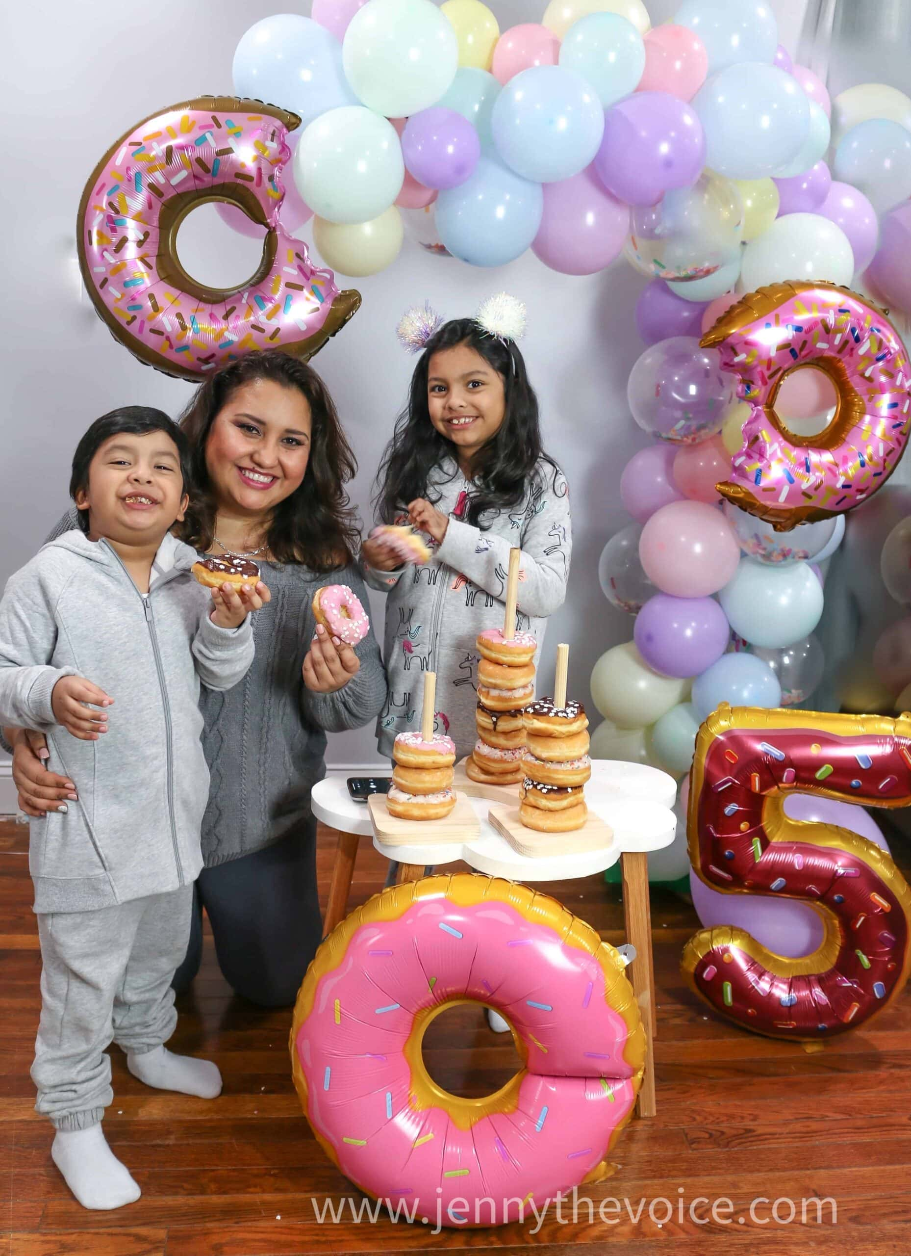 Blog-Anniversary-Photo-IDeas-donut-photos